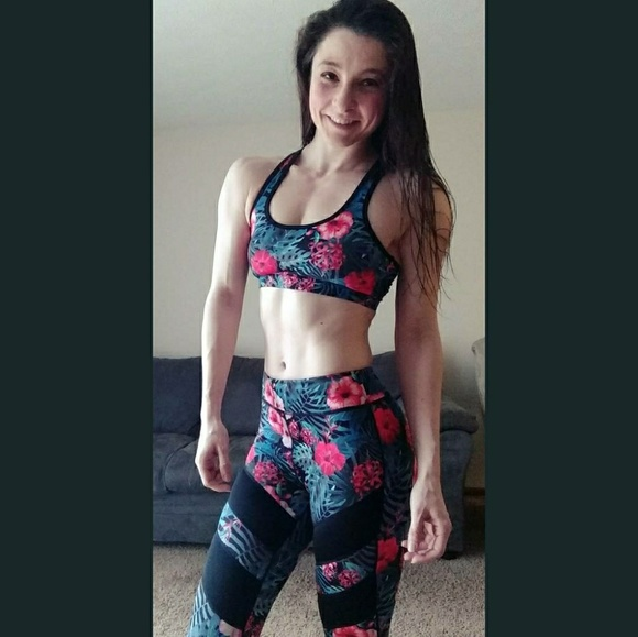 a936ae6120 dva Pants - Floral leggings and sports bra
